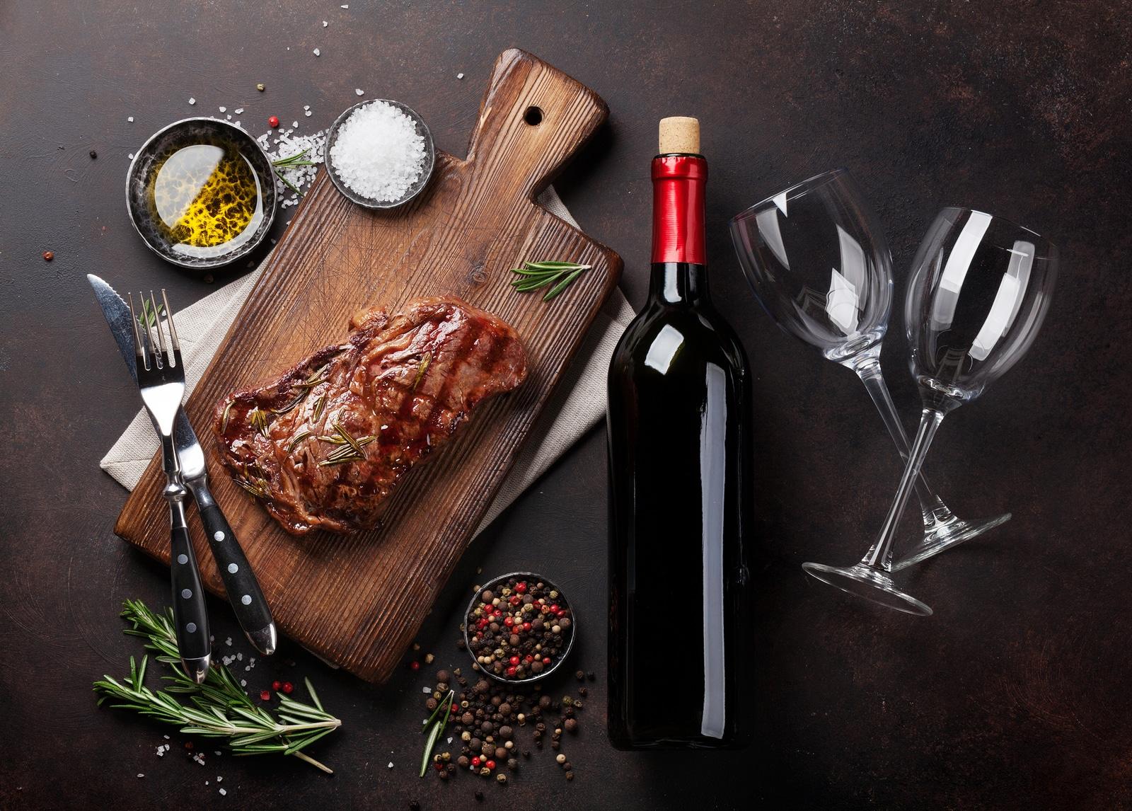 Ce soiuri de vin se recomandă alături de carnea de vită Black Angus?
